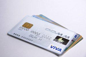 クレジットカードのサインは英語・日本語?正しい書き方を解説します