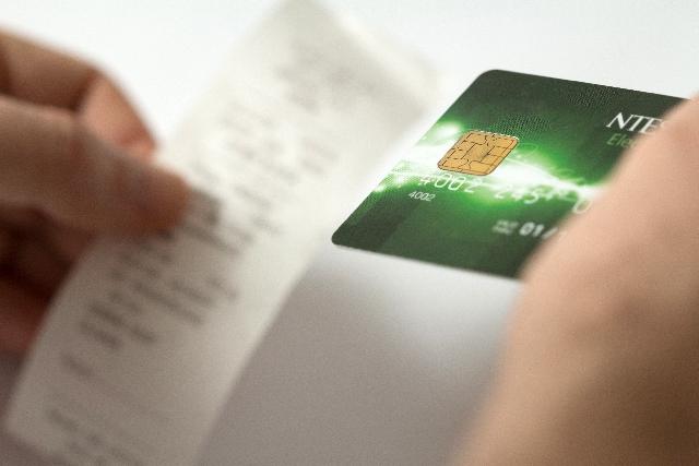 アメリカでクレジットカードを用いてチップを支払う方法を完全解説!