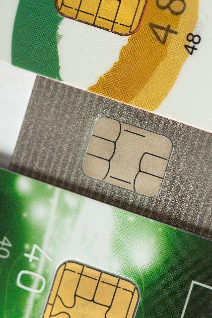 クレジットカードの暗証番号を忘れた場合、サインで代用可能!