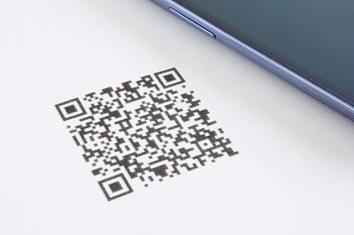 クレジットカードの支払いをQRコードで完了させられるサービスを紹介します